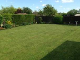 REDFEARN'S Grass Cutting Services in Lincolnshire