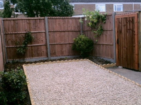B LANDSCAPING AND FENCING 3