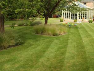 Lawn Mowing & Garden Services in Somerset