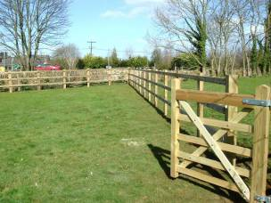 Trentwood Fencing Ltd in Oxfordshire