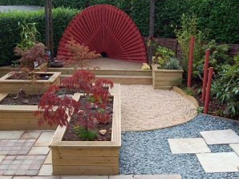 Buzzy Lizzie garden design 2