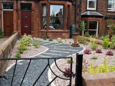 Buzzy Lizzie garden design 4