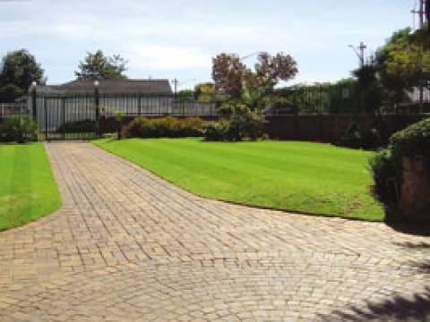 4 Seasons Lawn and Garden 1