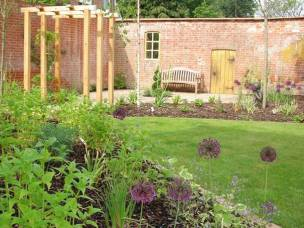 Charlies Homes and Gardens Ltd  in Hampshire